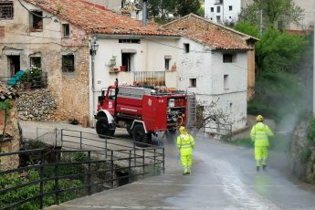 Desinfección del municipio completo a cargo del cuerpo de Bomberos Forestales
